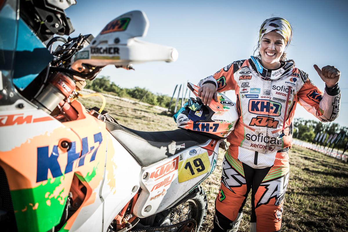 164033_Laia Sanz KTM 450 RALLY Dakar 2017